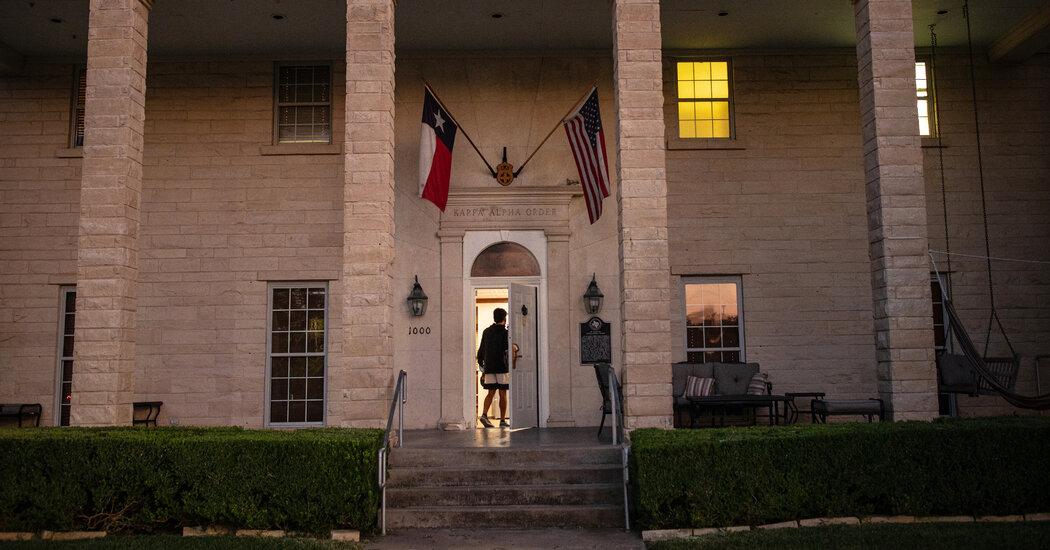 Kappa Alpha, Fraternity That Reveres Robert E. Lee, Faces Revolt Over Racism